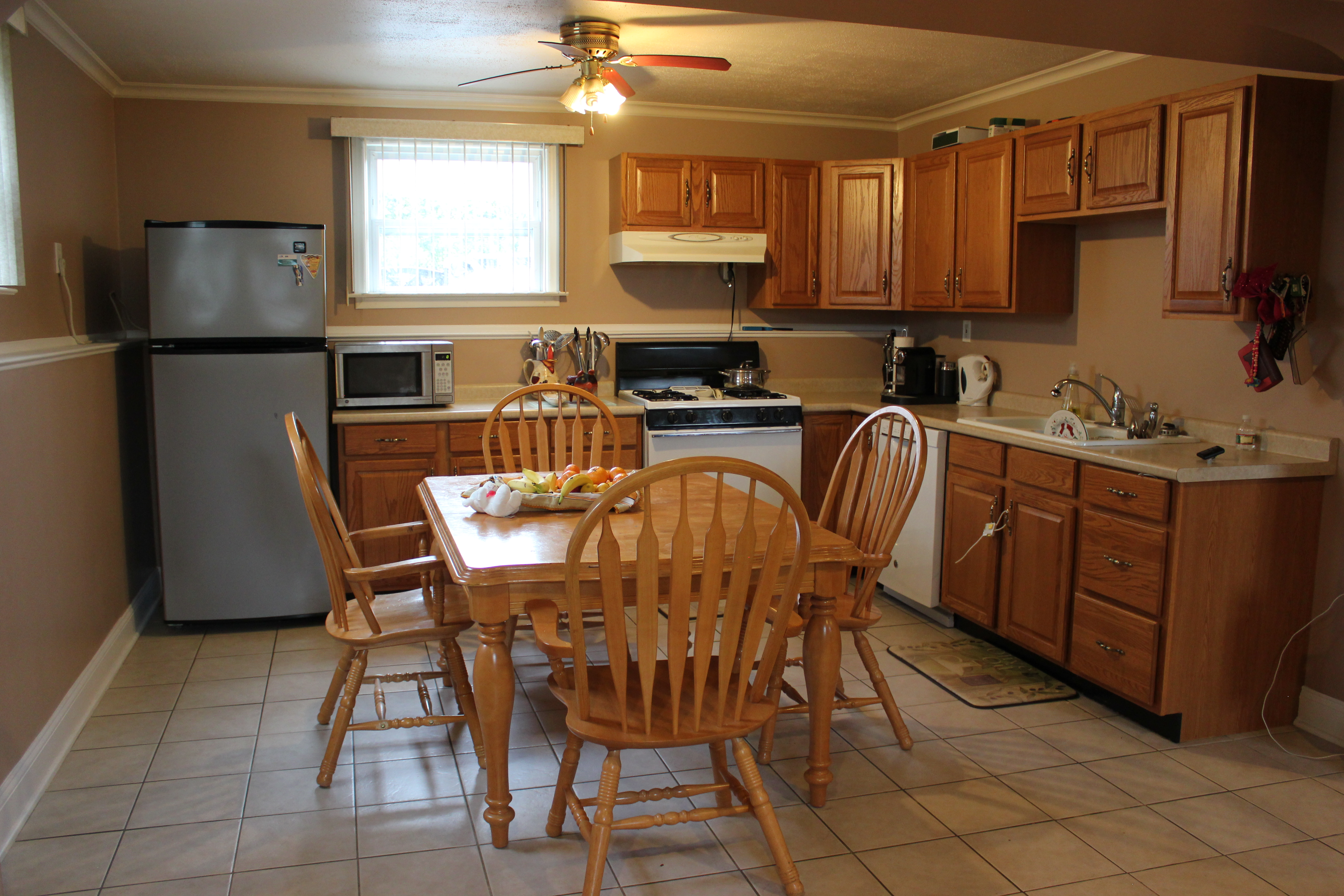 Bi Level Kitchen 39 Amherst Street South River Bi Level Style Layout For Sale